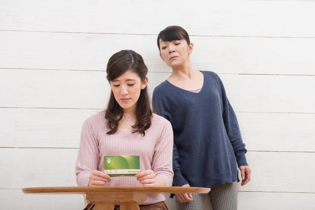 結婚して、夫の親と同居していましたが、姑に我慢できず実家に戻ったら、離婚を言い渡されました。