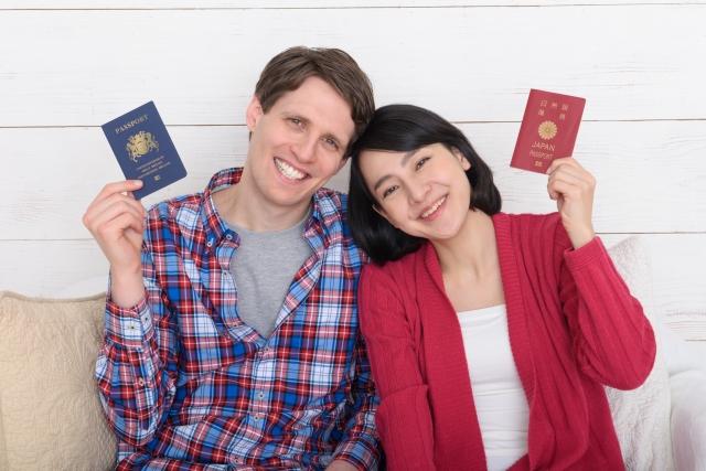 外国人と結婚したのですが、夫が不倫しているので、離婚したいです。夫は自分の国の裁判所でないとできないと言っていますが、本当でしょうか