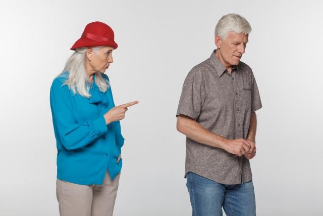 妻と熟年離婚します。妻へ財産分与するくらいなら、息子に贈与したいです